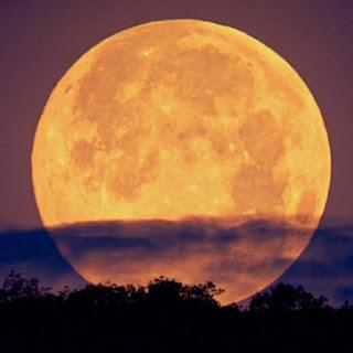 تفسير رؤية القمر في الحلم