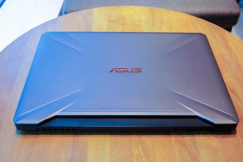 Desain Asus TUF Gaming FX505DY R5697T