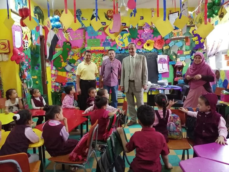 بالصور .. ضحا يكثف المتابعات علي مدارس إدارة كوم حماده التعليمية