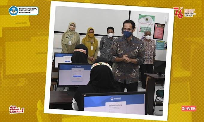 Mendikbudristek Meninjau Pelaksanaan Tes Guru ASN PPPK di SMKN 6 Surakarta