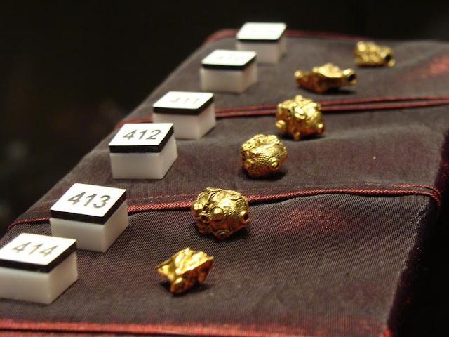 Skarby wieków średnich - skarb z Borucina - złote paciory