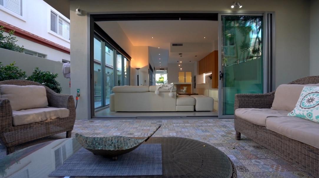 23 Interior Design Photos vs. 35B Hughes Ave, Main Beach, Qld, Australia Luxury Townhome Tour
