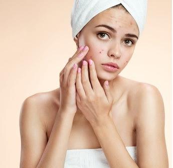 Remedios caseros para eliminar los puntos negros, verrugas y manchas de la edad