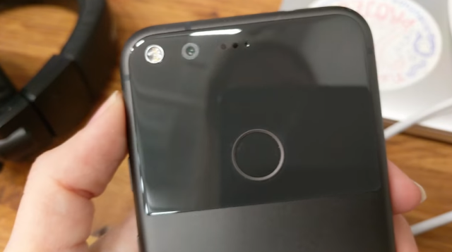 Pixel XL back in stock on the Google Store