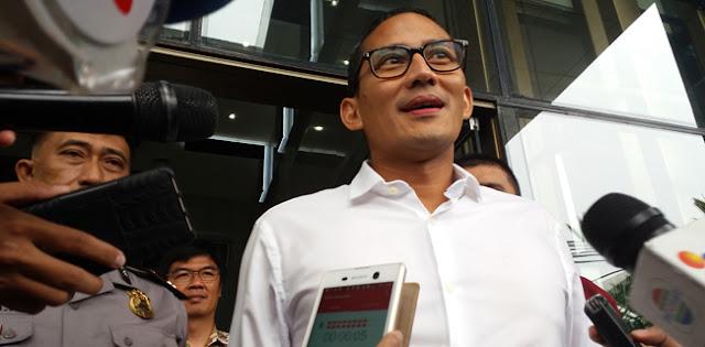 Pakai Baju Putih, Sandiaga Bakal Dikenalkan Jokowi Sebagai Menteri Sore Ini