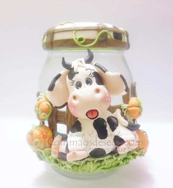 """Pote de vidro decorado em Biscuit """"A Vaquinha"""""""