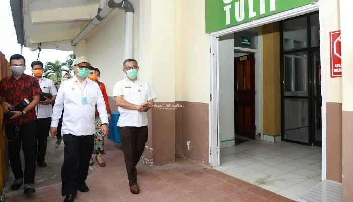 Gubernur Irianto Pastikan Penanganan Covid-19 Makin Diseriusi