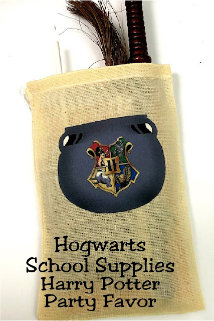 Get ready for Hogwarts at your Harry Potter party. Use the cauldron bag to gather your Hogwarts School of Witchcraft and Wizardry school supplies.  It's a quick and easy project that will give you the perfect party favor. #harrypotterpartyfavor #hogwartsschool #diypartymomblog