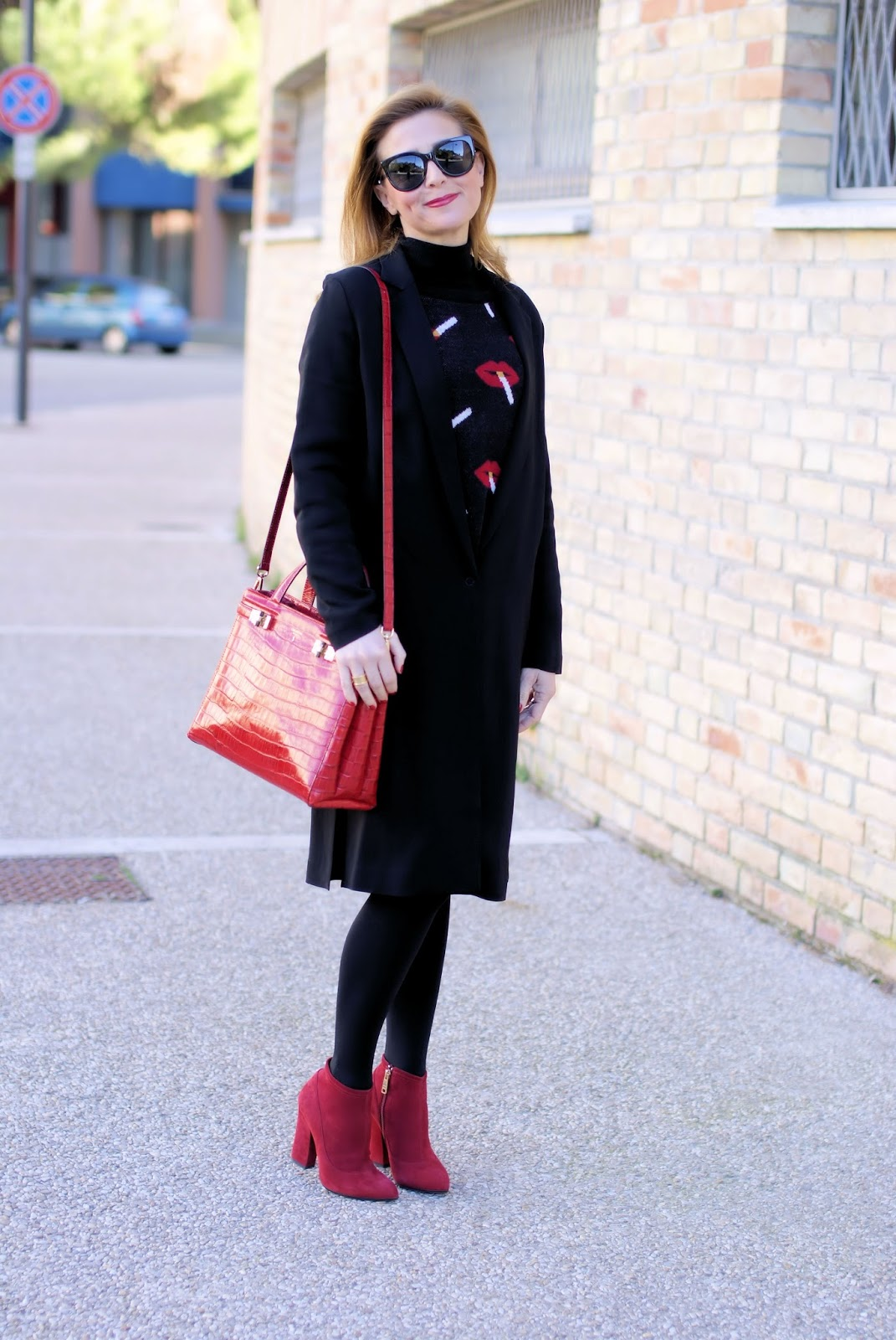 AVAVAV Firenze coat and Serapian Milano Meliné bag on Fashion and Cookies fashion blog, fashion blogger style