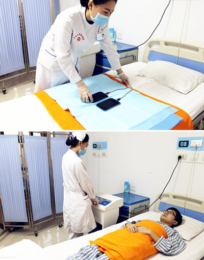 How does Hot Compress Therapy treat eye problem from diabetic nephropathy