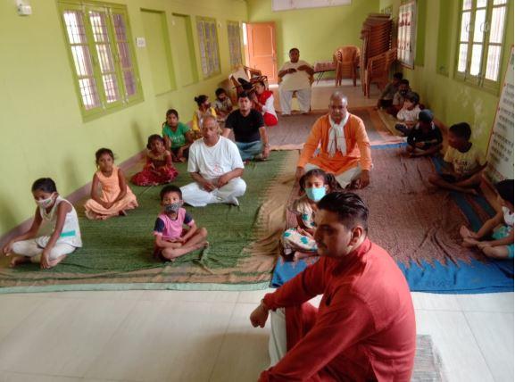 स्पेशल बच्चों ने आश्रय में मनाया अन्तर्राष्ट्रीय योग दिवस