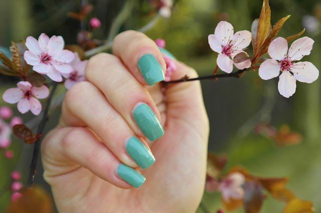 dusky turquoise nails