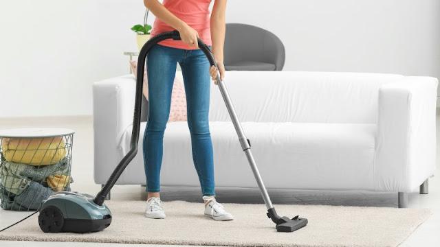 Mengapa Harus Menyedot Debu Terlebih Dahulu Sebelum Mencuci Karpet?