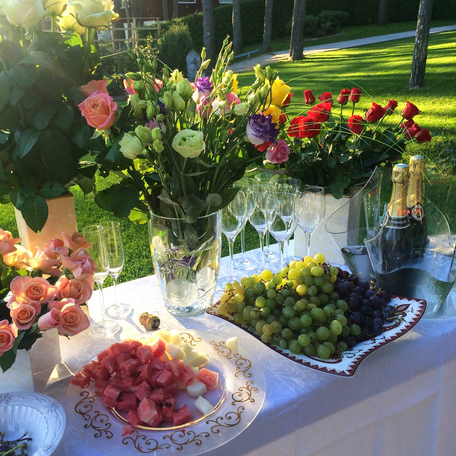 garden-party-flovers-roses-champagne