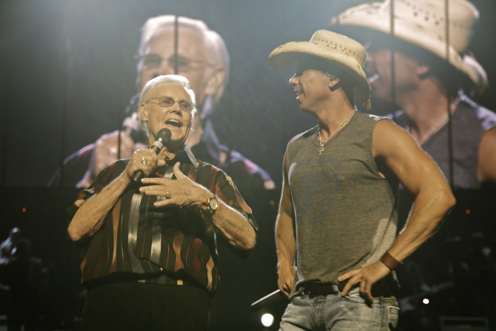 George Jones Rocking Chair Steel Ki Kenny Chesney Surprised On Stage By Country Music Icon