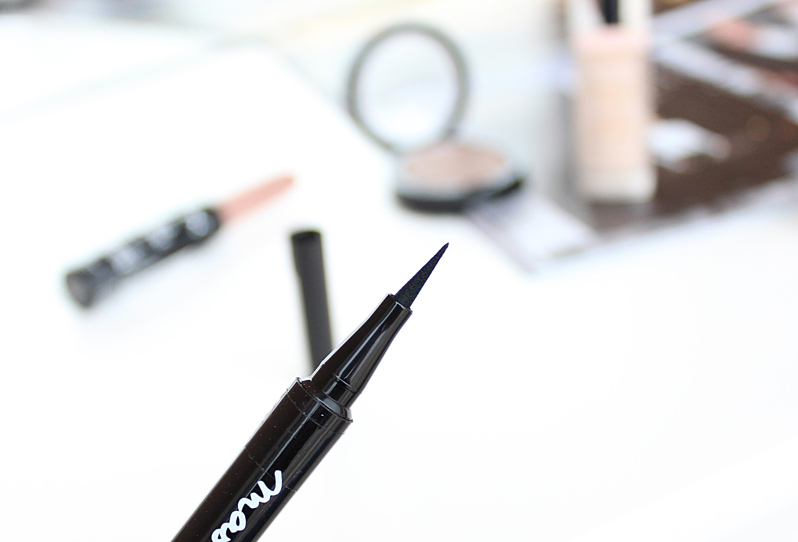 Maybelline Master Precise Liquid Eye Liner Swatches and Review