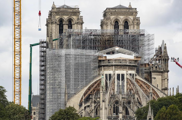 Parigi: Notre-Dame, serviranno circa mille querce per ricostruire la guglia