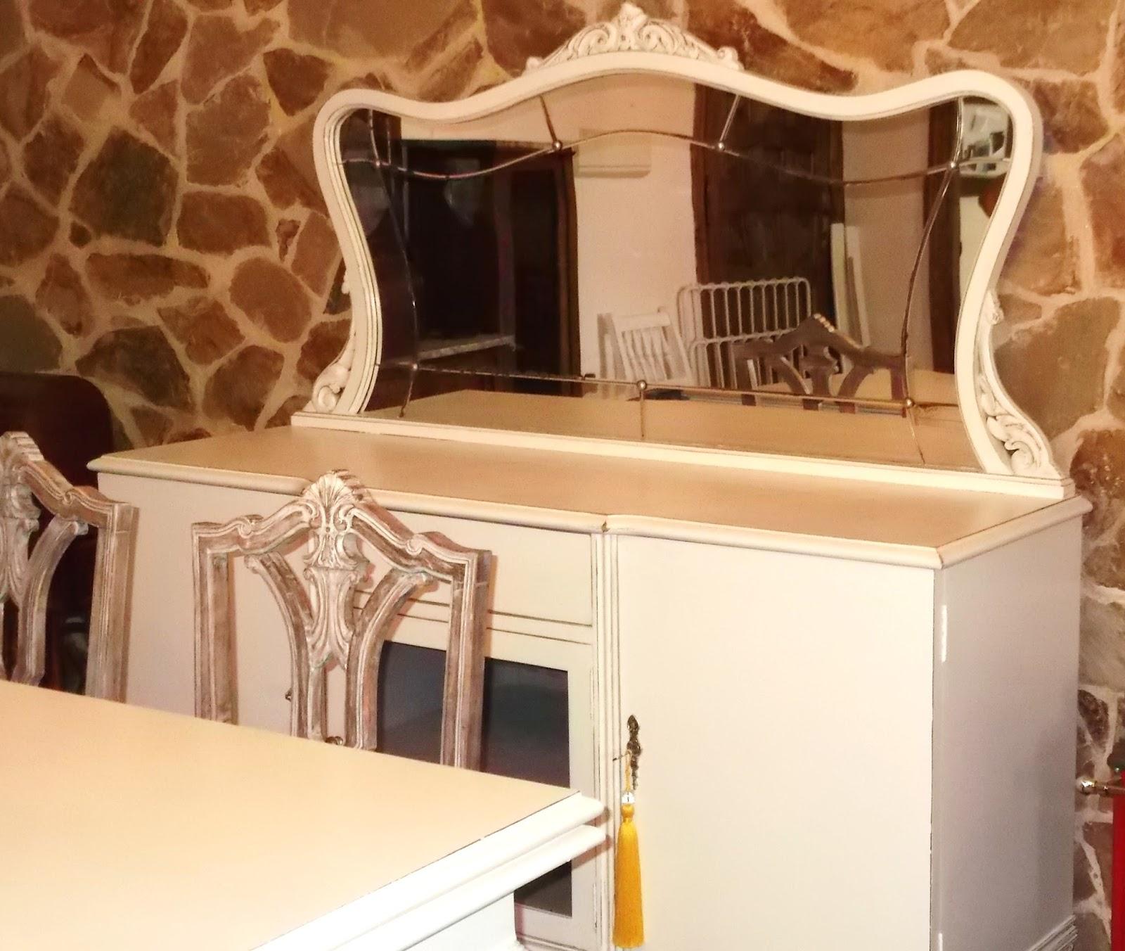 El desvan de mamen aparador blanco for Recuperar muebles antiguos