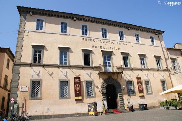 Il Palazzo Faina ospita il Museo Civico e Archeologico
