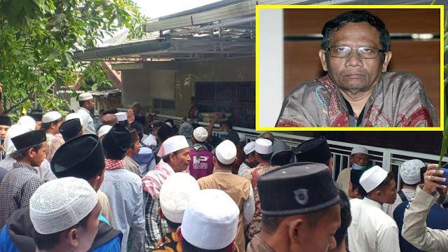 Viral Video Rumah Mahfud MD di Madura Digerebek Warga, Tidak Terima Pemanggilan HRS