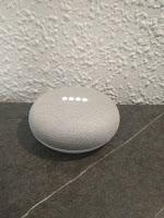google-home-mini-escuchando