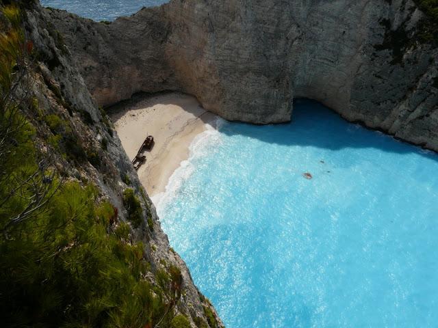 Pantai Navagio di Zakynthos, Yunani