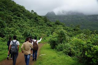 Monsoon trek to Kalavantini Durg