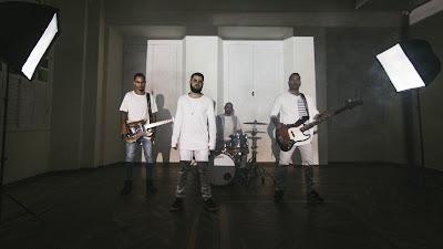 """""""Te Olhar"""" é o novo videoclipe da banda Primeiro Passo (Assista)"""
