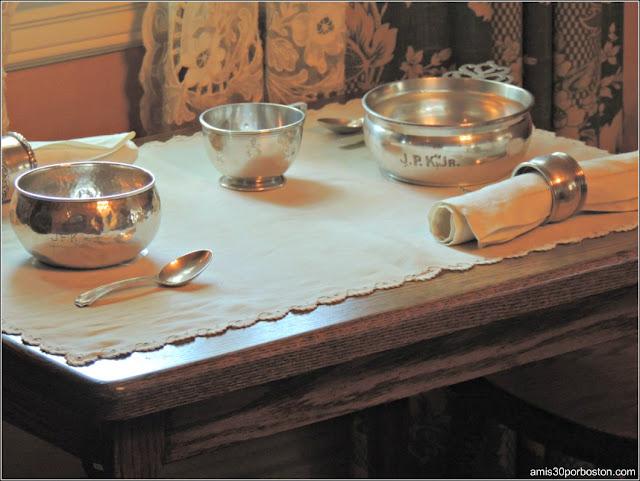 Casa de Nacimiento de Jonh F. Kennedy: Mesa Niños en el Comedor