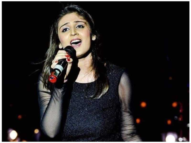 Dhvani Bhanushali pic