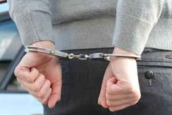 fake-cbi-officer-arrested-in-hyderabad-rgi-airport-with-20-lakh-cash