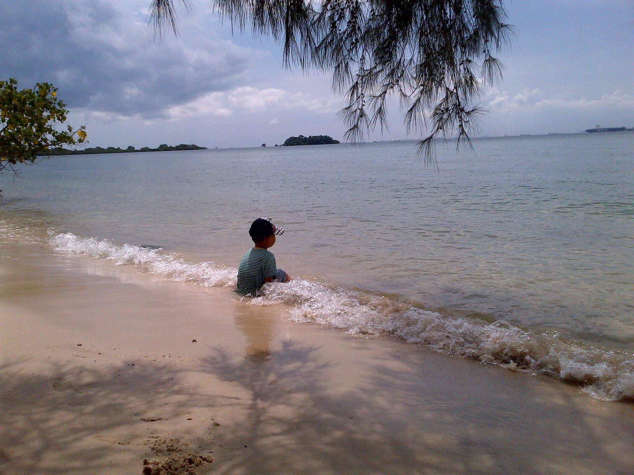Pantai Indah Pulau Lengkana 10