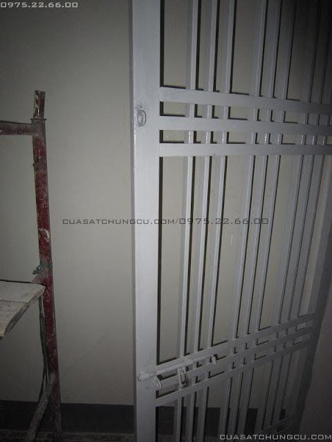 Cửa sắt chung cư 2 cánh tại chung cư MD Complex Mỹ Đình