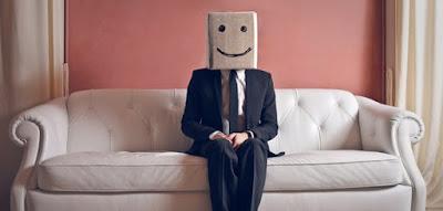 Kebanyakan orang dengan kepercayaan diri tinggi tidak akan merasa gugup atau grogi ketika 10 Tips Mengatasi Grogi & Kegugupan Saat Presentasi