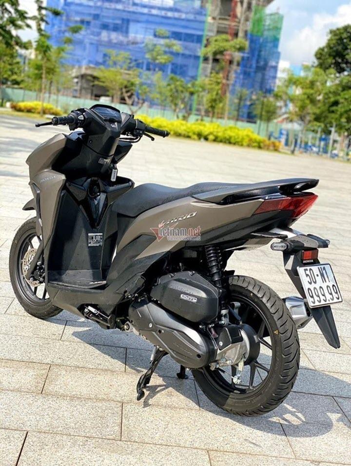 Honda Vario biển số ngũ quý 9 giá 900 triệu đồng ở TP.HCM