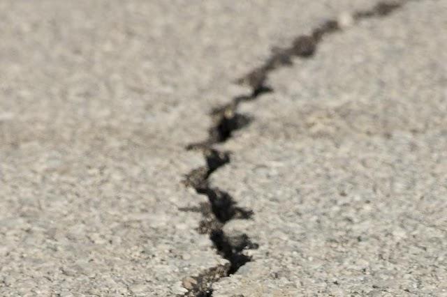Ο συγχρονισμός των μεγαλύτερων σεισμών της Γης ακολουθεί το μοτίβο «σκάλα του διαβόλου»