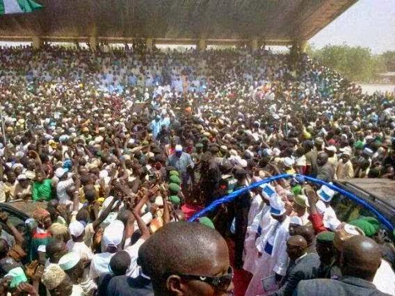 Photos: Buhari's people compare declaration crowd between GEJ and Buhari