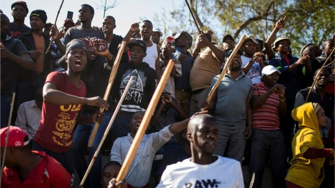 South African crowds walk out of anti-xenophobia speech