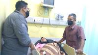 Senator Fachrul Razi Salurkan Bantuan Ke Pasien Tumor di Aceh Selatan