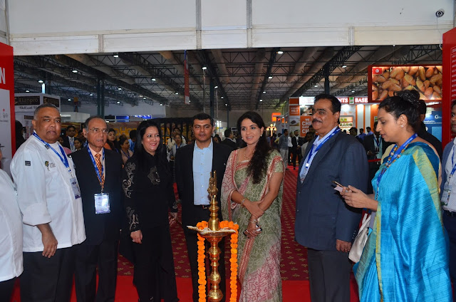 Chef Vernon Coelho, Mr. Mohan Despande, Ms. Sonia Chawla, Neerav Panchamia,Mrs. Shaina NC Dilip C. Datwani & Reema Lokesh at Food Hospitality World India 2017 Inauragtion Day