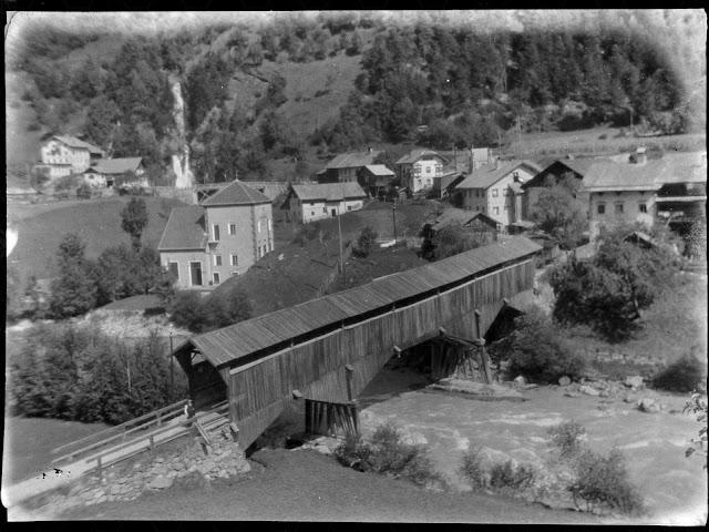 unbekannte gedeckte Brücke - um  1930 -- unknown covered bridge - around 1930