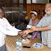 """Wanahabari Mwanza wapokea Bima za Afya """"mgeni rasmi atunisha mfuko wa chama"""""""