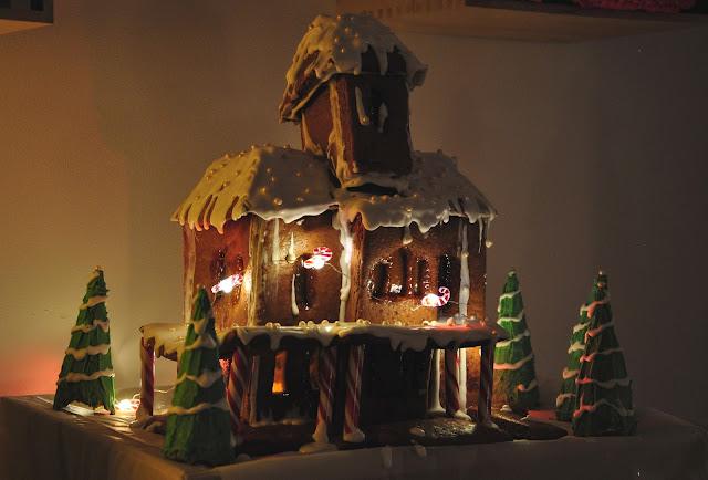 Lebkuchenhaus mit LED Mini Lichterkette