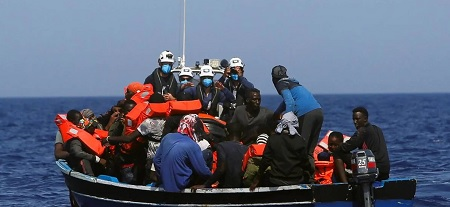 More than 800 migrants crossed the Channel on Saturday, a new record