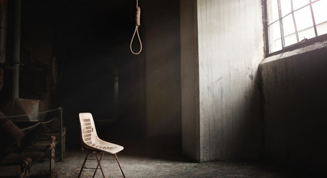 A 20-year-old woman hangs herself in Korça, has been raped by her cousin last year