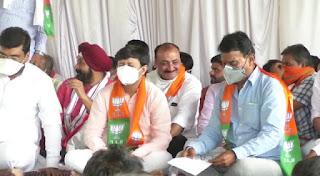 भाजपा की बैठक मे सांवेर को जितने के लिए मंत्री ने खोला घोषणा का पिटारा