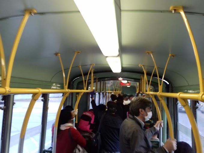 Rispettare le distanze di sicurezza dentro i mezzi pubblici? Impossibile!