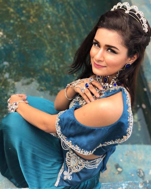 Avneet Kaur Images 34