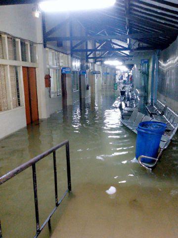 Foto RSUD dr. Sukardjo Tasikmalaya terendam banjir. Foto : twitter kabay4n_