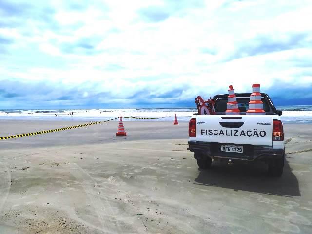 Divisão Municipal de Trânsito da Ilha  orienta os motoristas a obedeceram a legislação que proíbe o trânsito de veículos nas praias